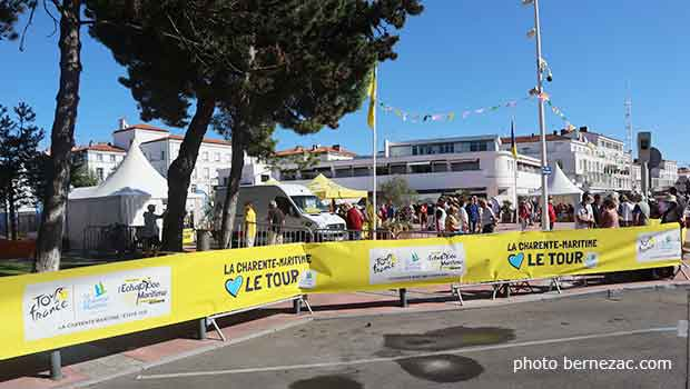 village tour de france Royan etape 10